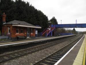 Saunderton station